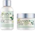 天然由来成分とケミカル成分によるエイジングケアでハリ・コシを与えるとともに、艶やかで弾力のある健やかな毛髪へと導きます。華麗な花を咲かせ、力強い気品を漂わせるガーデニアの香り。Shampoo<300ml>¥2,400Treatment<250ml>¥2,800